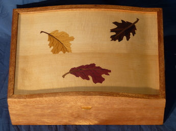Jewelry box with falling leaves